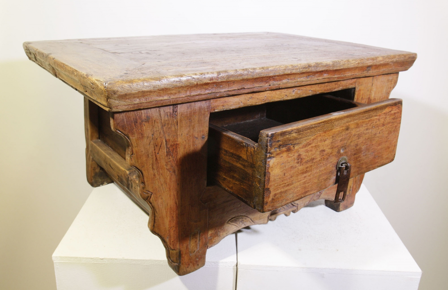 Table basse chinoise ancienne table bureau console for Meuble asiatique ancien