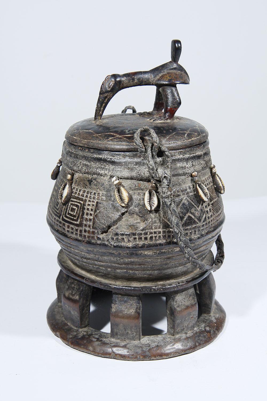 ancienne boite beurre de karit africaine baoule de c te d 39 ivoire 1106 060 300 galerie art. Black Bedroom Furniture Sets. Home Design Ideas