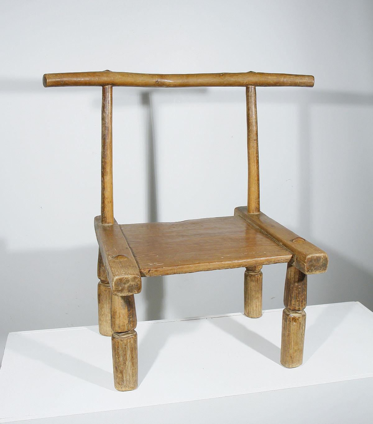 ancienne chaise africaine baoul de c te d 39 ivoire 01 90 galerie art africain masques et. Black Bedroom Furniture Sets. Home Design Ideas