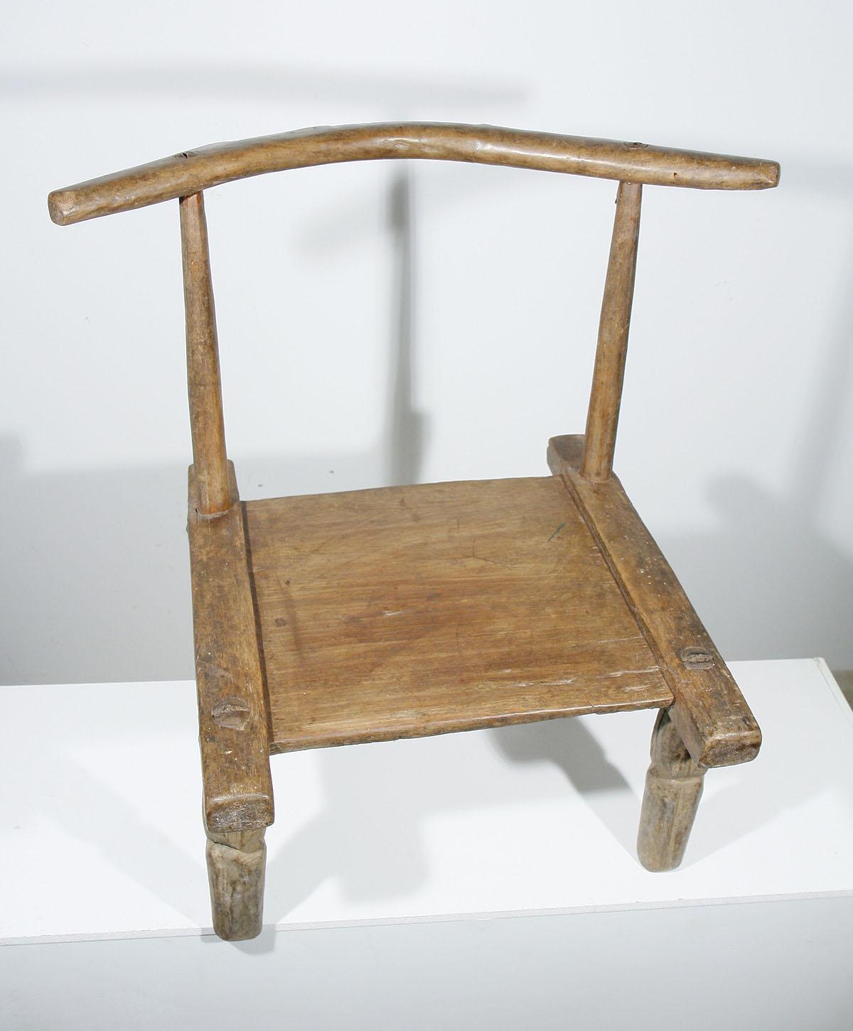 ancienne chaise africaine baoul de c te d 39 ivoire 02 90 galerie art africain masques et. Black Bedroom Furniture Sets. Home Design Ideas